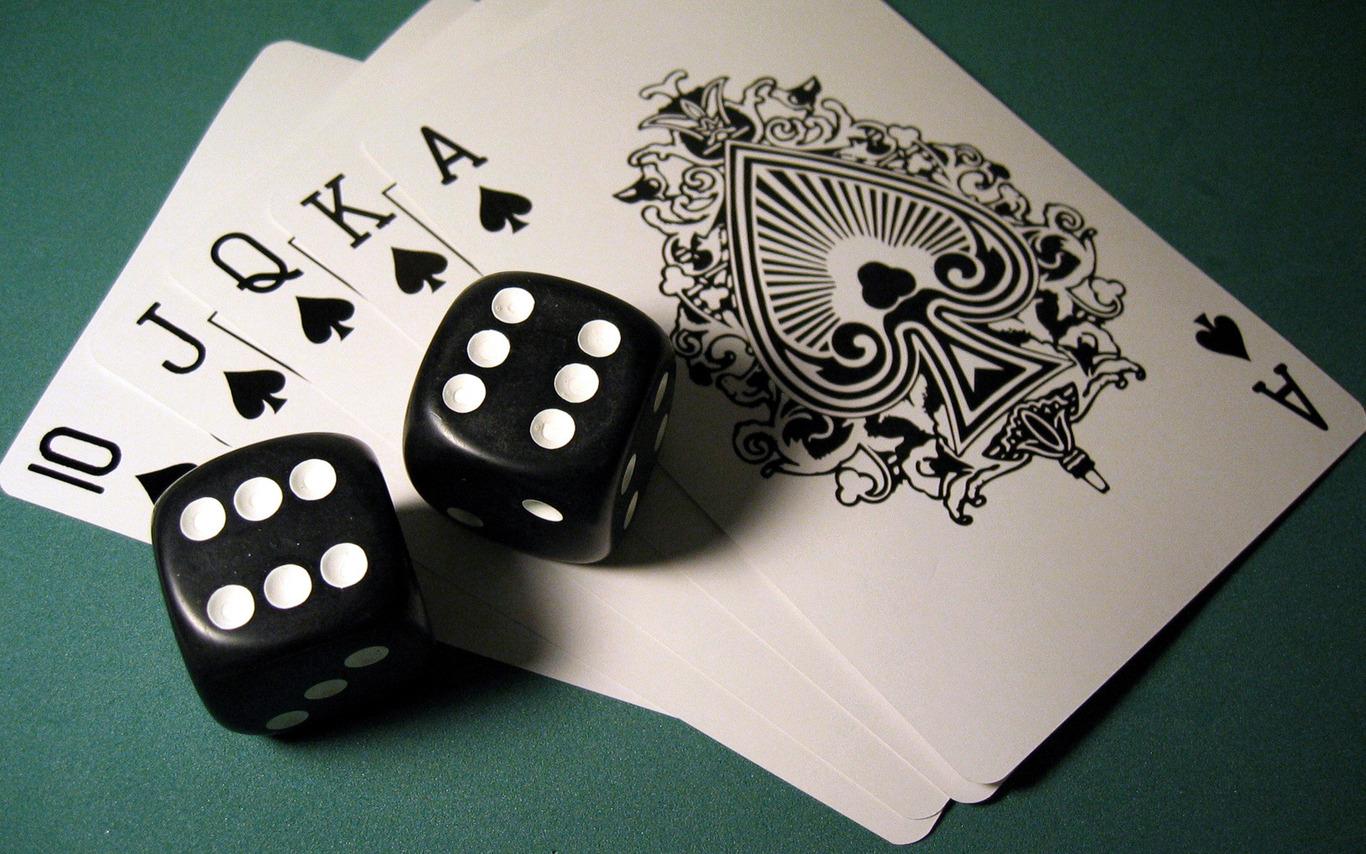 Rollers Stake Tinggi Mainkan Permainan Poker